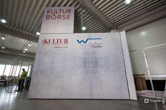 Výstavní stánek s výškou 5,5 metru