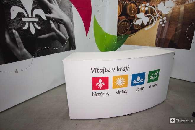 Oblý stolek - Region Nitra