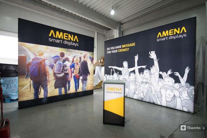 Podsvícený výstavní stánek Amena