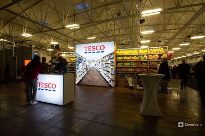 Textilní stěny TESCO s podsvícením